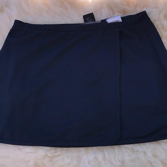 Nike Pants - Nike Sphere Dri Fit Skort navy textured